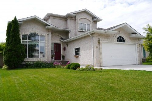 Main Photo: 60 Duncan Norrie Drive in Winnipeg: Fort Garry / Whyte Ridge / St Norbert Single Family Detached for sale (South Winnipeg)