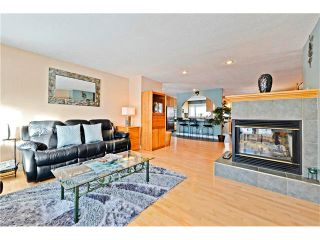 Photo 7: 2612 LAUREL Crescent SW in Calgary: Lakeview House for sale : MLS®# C4050066