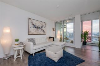 """Photo 2: 1409 1788 COLUMBIA Street in Vancouver: False Creek Condo for sale in """"Epic at West"""" (Vancouver West)  : MLS®# R2392931"""