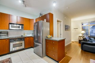 Photo 6: Listing provided by RE/MAX Crest Realty and Sutton Centre Realty