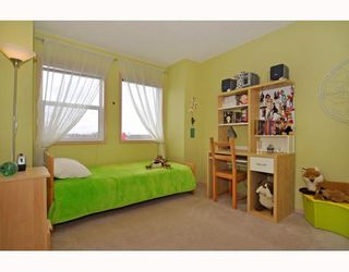 Photo 11: 10 SHAWBROOKE Court SW in CALGARY: Shawnessy Townhouse for sale (Calgary)  : MLS®# C3377313
