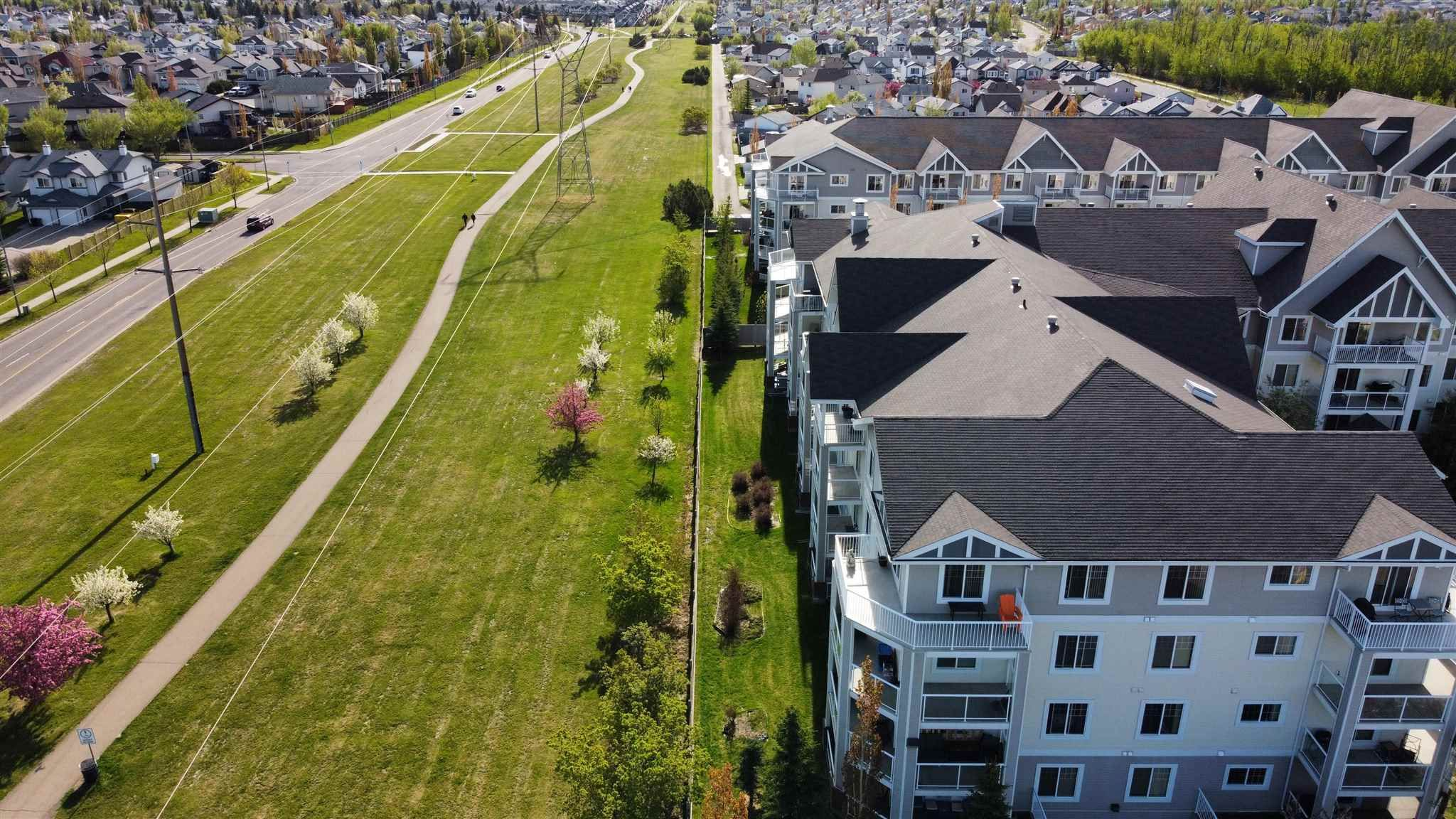 Main Photo: 216 15211 139 Street in Edmonton: Zone 27 Condo for sale : MLS®# E4244901