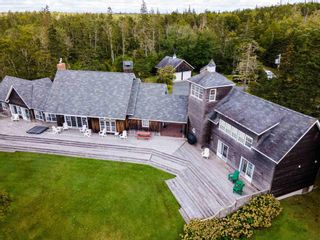 Photo 2: 20 Williams Road in East Green Harbour: 407-Shelburne County Residential for sale (South Shore)  : MLS®# 202123409