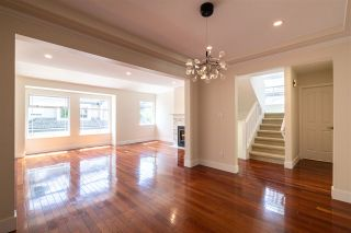 """Photo 3: 873 ROCHE POINT Drive in North Vancouver: Roche Point Townhouse for sale in """"SALISH ESTATES"""" : MLS®# R2377508"""