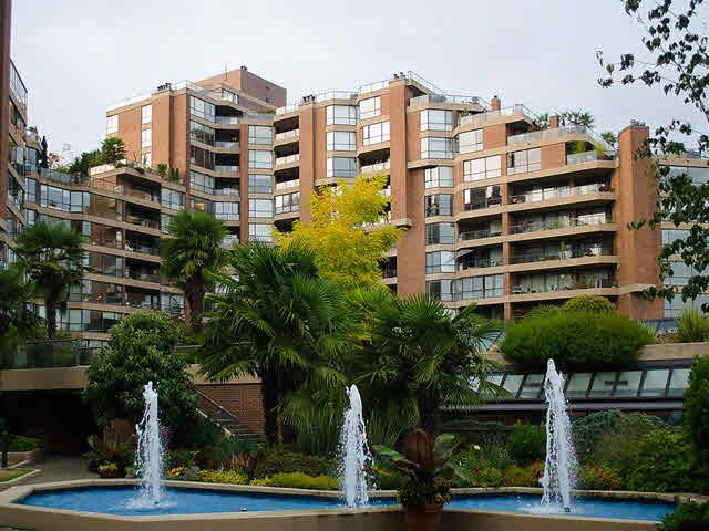 """Photo 2: Photos: 611 1450 PENNYFARTHING Drive in Vancouver: False Creek Condo for sale in """"HARBOUR COVE"""" (Vancouver West)  : MLS®# V1086066"""
