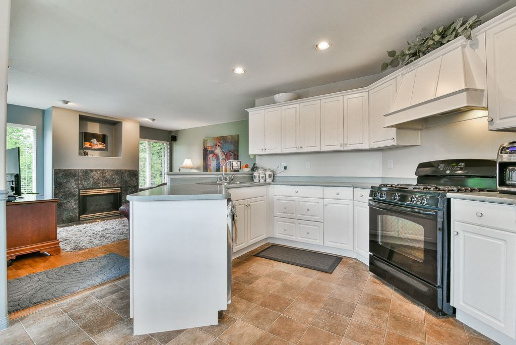 Photo 6: Photos: 6103 190 Street in Surrey: Cloverdale BC House for sale (Cloverdale)  : MLS®# R2269970