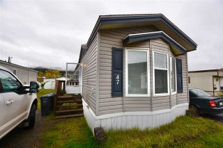"""Photo 1: 47 3001 N MACKENZIE Avenue in Williams Lake: Williams Lake - City Manufactured Home for sale in """"GREEN ACRES MOBILE HOME PARK"""" (Williams Lake (Zone 27))  : MLS®# R2508986"""