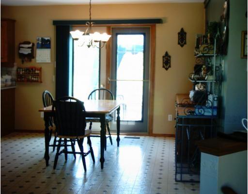 Photo 3: Photos: 35 POPLAR Drive in ROCKWOOD: Argyle / Balmoral / Grosse Isle / Gunton / Stony Mountain / Stonewall / Marquette / Warren / Woodlands Residential for sale (Winnipeg area)  : MLS®# 2910910