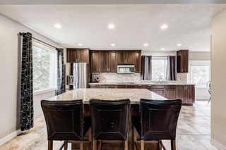 Photo 2: 335 Woodpark Place SW in Calgary: Woodlands Detached for sale : MLS®# A1110869