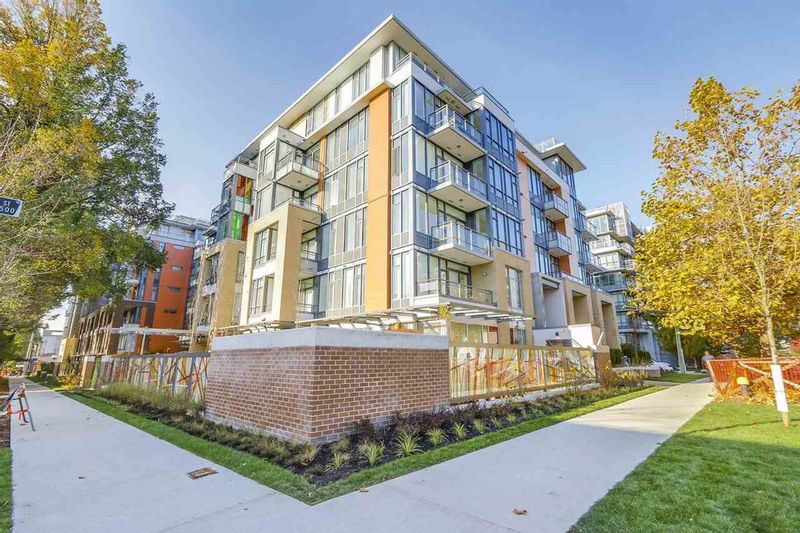 FEATURED LISTING: 2039 10TH Avenue West Vancouver
