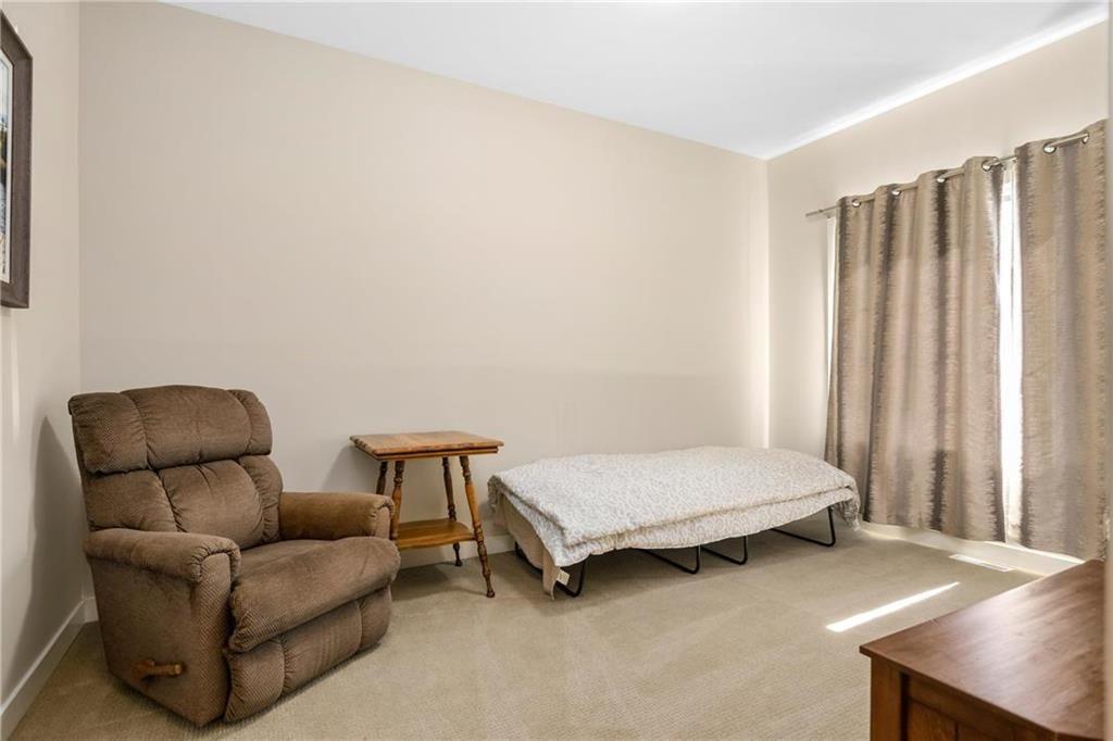 Photo 13: Photos: 2 80 Sandrington Drive in Winnipeg: Condominium for sale (2E)  : MLS®# 202021038