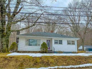 Photo 18: 301 Aberdeen Road in Bridgewater: 405-Lunenburg County Residential for sale (South Shore)  : MLS®# 202103569