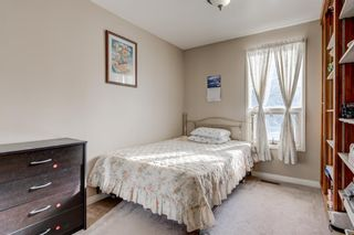 Photo 17: 6912 15 Avenue SE in Calgary: Applewood Park Detached for sale : MLS®# A1068725