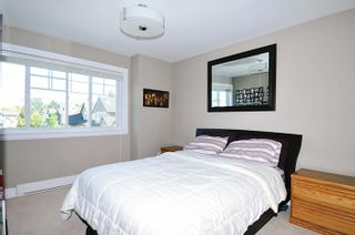 Photo 13: 18170 70 Avenue in Surrey: Cloverdale BC 1/2 Duplex for sale (Cloverdale)  : MLS®# R2103288