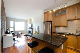 """Photo 4: 311 250 SALTER Street in New Westminster: Queensborough Condo for sale in """"PADDLERS LANDING"""" : MLS®# R2445205"""