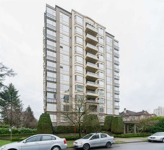 "Photo 3: 802 1316 W 11 Avenue in Vancouver: Fairview VW Condo for sale in ""THE COMPTON"" (Vancouver West)  : MLS®# R2542434"