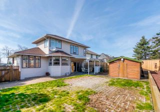 "Photo 19: 17923 65A Avenue in Surrey: Cloverdale BC House for sale in ""Orchard Ridge"" (Cloverdale)  : MLS®# R2446712"