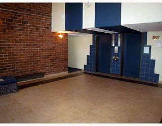 """Photo 8: 708 950 DRAKE Street in Vancouver: Downtown VW Condo for sale in """"ANCHOR POINT"""" (Vancouver West)  : MLS®# V661241"""