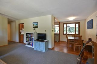 Photo 3: 1012 FIRCREST Road in Gibsons: Gibsons & Area House for sale (Sunshine Coast)  : MLS®# R2608956