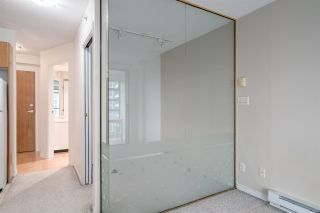 "Photo 4: 1606 939 HOMER Street in Vancouver: Yaletown Condo for sale in ""PINNACLE"" (Vancouver West)  : MLS®# R2253359"