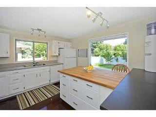 Photo 7: 316 CEDARILLE Crescent SW in CALGARY: Cedarbrae Residential Detached Single Family for sale (Calgary)  : MLS®# C3577286
