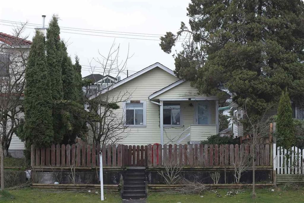 Main Photo: 3148 GRANDVIEW Highway in Vancouver: Renfrew Heights House for sale (Vancouver East)  : MLS®# R2614110