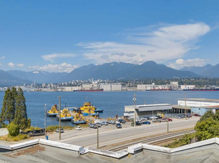 Photo 14: #110-2211 Wall St in Vancouver: Hastings Condo for sale (Vancouver East)  : MLS®# R2192905