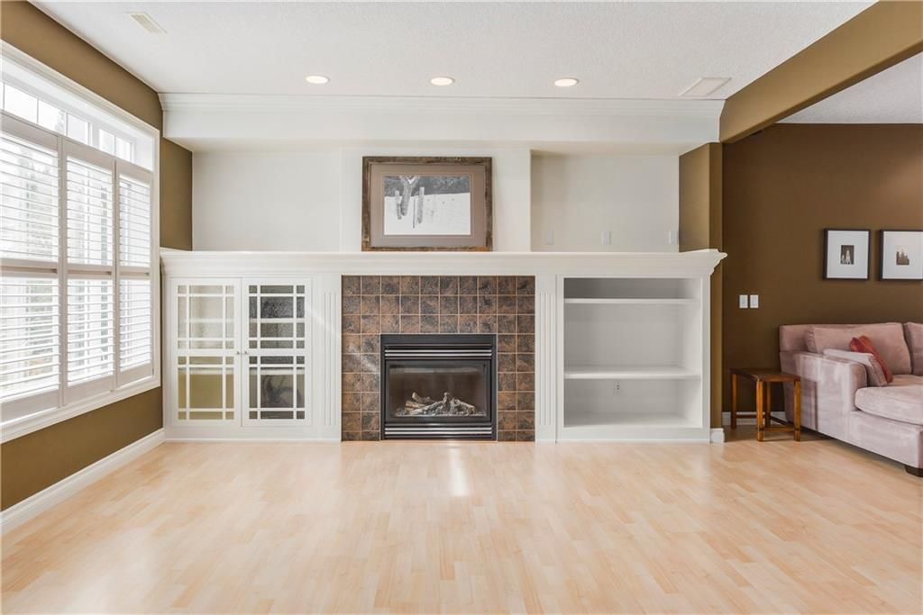 Photo 34: Photos: 73 DISCOVERY WOODS Villa SW in Calgary: Discovery Ridge Semi Detached for sale : MLS®# C4218779