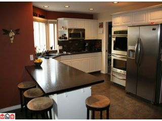 """Photo 2: 2108 ESSEX Drive in Abbotsford: Abbotsford East House for sale in """"Everett Estates"""" : MLS®# F1127461"""