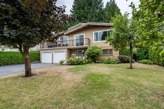 Photo 2: 19512 120 Avenue in Pitt Meadows: Central Meadows House for sale : MLS®# R2611017
