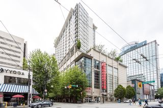 """Photo 2: 1315 938 SMITHE Street in Vancouver: Downtown VW Condo for sale in """"ELECTRIC AVENUE"""" (Vancouver West)  : MLS®# R2388880"""
