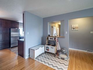 Photo 7: 49 Warwick Drive SW in Calgary: Westgate Detached for sale : MLS®# A1131664