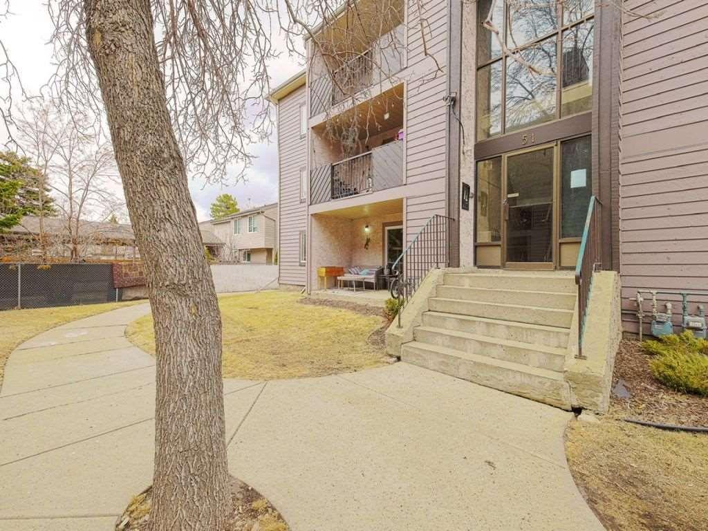 Main Photo: 103 - 51 Akins Drive: St. Albert Condo for sale : MLS®# E4239030