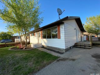 Photo 1: 213 Segwun Avenue North in Fort Qu'Appelle: Residential for sale : MLS®# SK856791