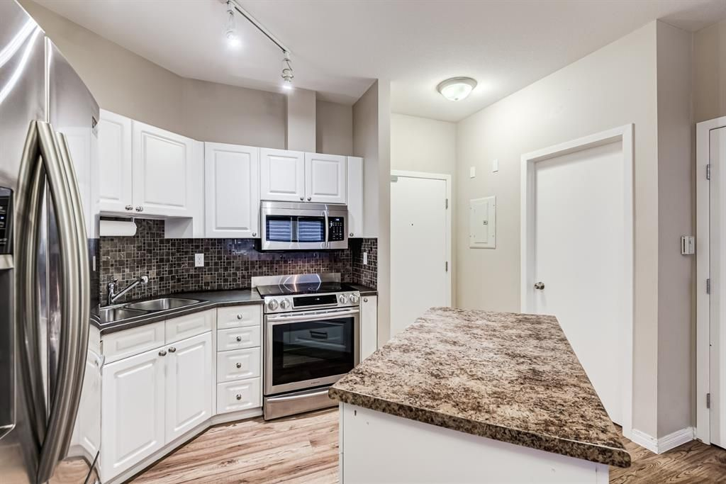 Photo 22: Photos: 204 1000 Applevillage Court SE in Calgary: Applewood Park Apartment for sale : MLS®# A1121312
