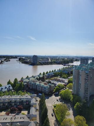 Photo 1: 2402 988 QUAYSIDE Drive in New Westminster: Quay Condo for sale : MLS®# R2454533