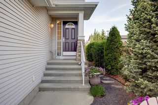 Photo 2: 82 COUGARSTONE Close SW in Calgary: Cougar Ridge Detached for sale : MLS®# C4295852