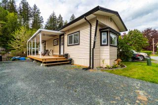 "Photo 1: 28 3942 COLUMBIA VALLEY Road: Cultus Lake Manufactured Home for sale in ""Cultus Lake Village"" : MLS®# R2575446"