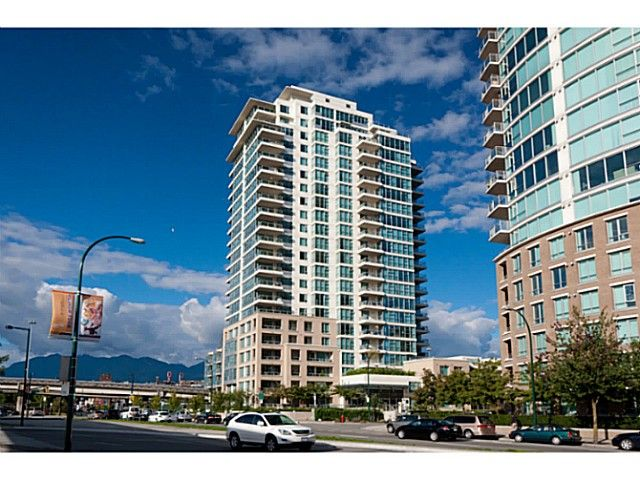 """Main Photo: 408 125 MILROSS Avenue in Vancouver: Mount Pleasant VE Condo for sale in """"Citygate at Creekside"""" (Vancouver East)  : MLS®# V1058949"""
