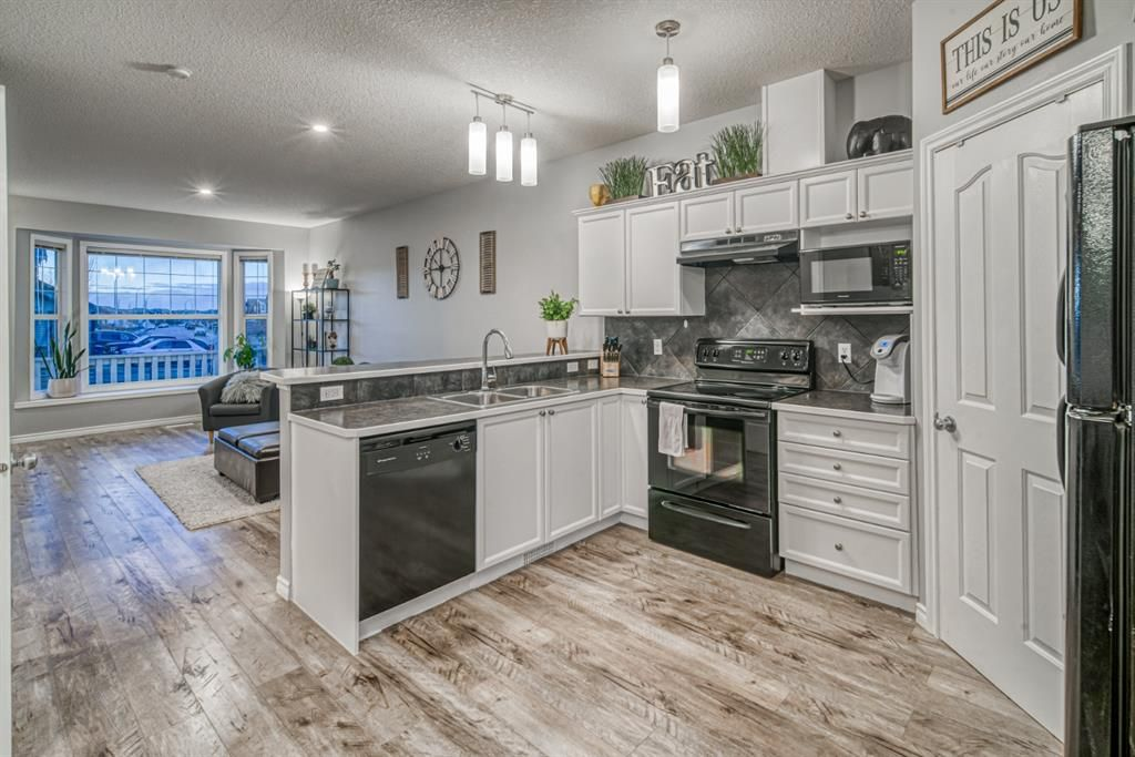 Beautifully RENOVATED Townhome!