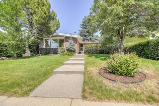 Main Photo: 278 Carragana Crescent NW in Calgary: Charleswood Detached for sale : MLS®# A1130507