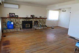 Photo 2: 1849 Carnarvon St in VICTORIA: SE Camosun House for sale (Saanich East)  : MLS®# 789064