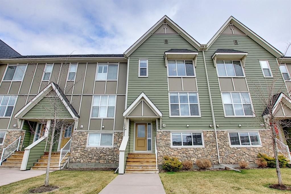 Main Photo: 287 Mahogany Way SE in Calgary: Mahogany Row/Townhouse for sale : MLS®# A1098955
