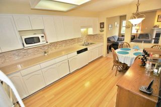"""Photo 7: 109 1230 QUAYSIDE Drive in New Westminster: Quay Condo for sale in """"Tiffany Shores"""" : MLS®# R2406017"""