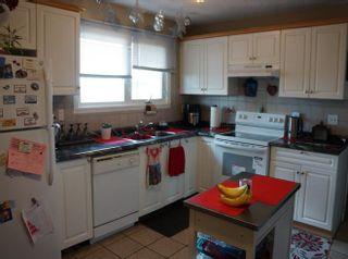 Photo 11: 218 HOMESTEAD Crescent in Edmonton: Zone 35 House for sale : MLS®# E4242279