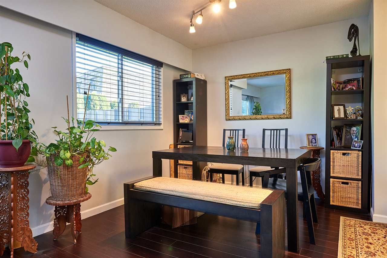Main Photo: 1262 PREMIER STREET in : Lynnmour Townhouse for sale : MLS®# R2114235