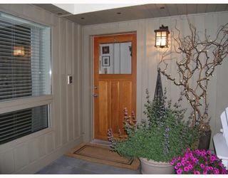 Photo 2: 2624 RHUM & EIGG Drive in Squamish: Garibaldi Highlands House for sale : MLS®# V714727