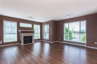 "Photo 3: 404 15885 84 Avenue in Surrey: Fleetwood Tynehead Condo for sale in ""Abbey Road"" : MLS®# R2372241"