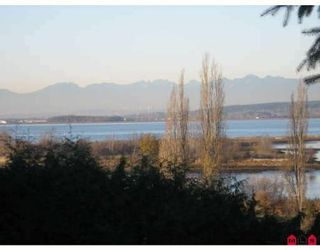 Photo 2: 12603 CRESCENT RD in Surrey: House for sale (Canada)  : MLS®# F2831152