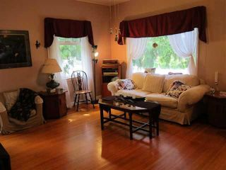 Photo 3: 204 W QUEENS Road in North Vancouver: Upper Lonsdale House for sale : MLS®# V897911